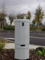 Borne de distribution d'énergie fixe Ethy sur parking avec Socomest Brumath Strasbourg Alsace Grand-Est
