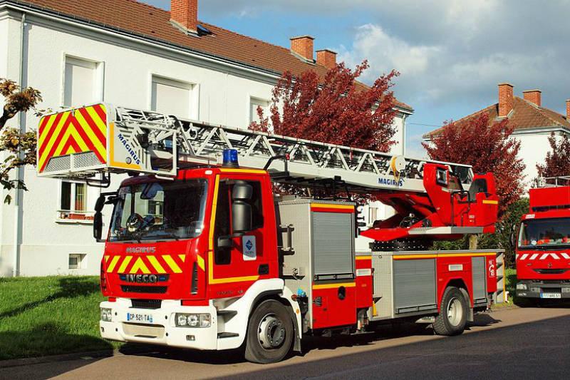 Matériel courant basse-tension pour SDIS et sapeurs-pompiers par Socomest, matériel électrotechnique pour industrie, SDIS pompiers, réseaux publics d'énergie et serrurerie - Brumath Strasbourg Alsace Grand-Est